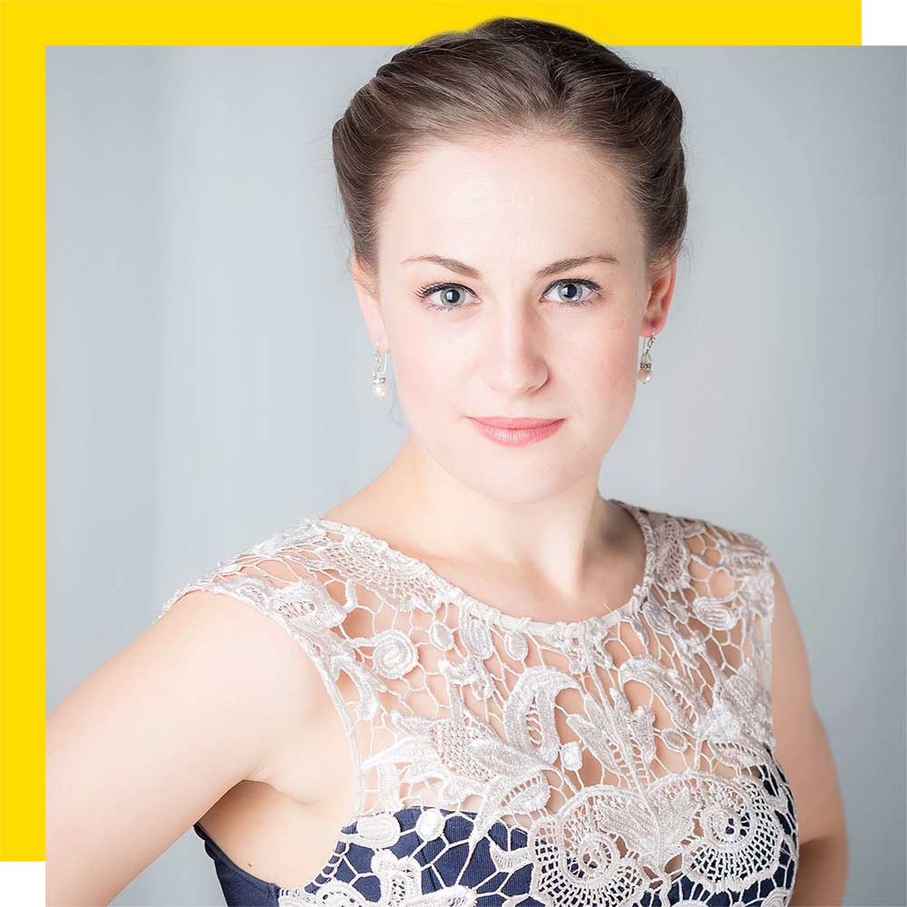 Rosanna Harris, Soprano – Helen Sykes Artists' Management