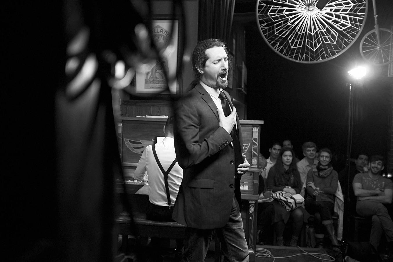 Alexander Dobson – Opera Pub – 2017