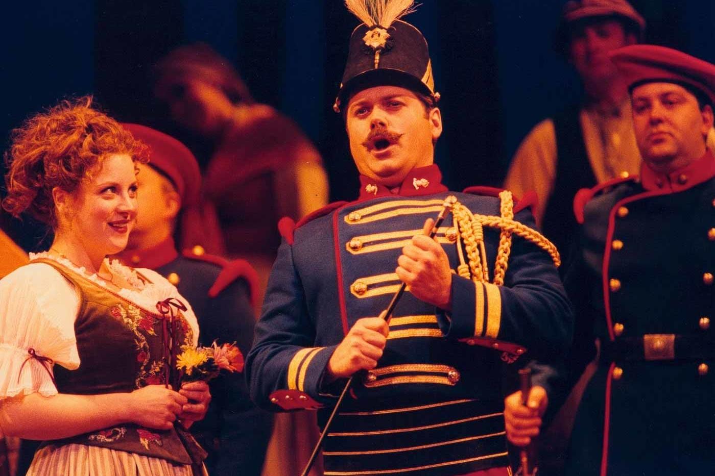 Simon Thorpe, Baritone – Belcore, L'elisir – Scottish Opera