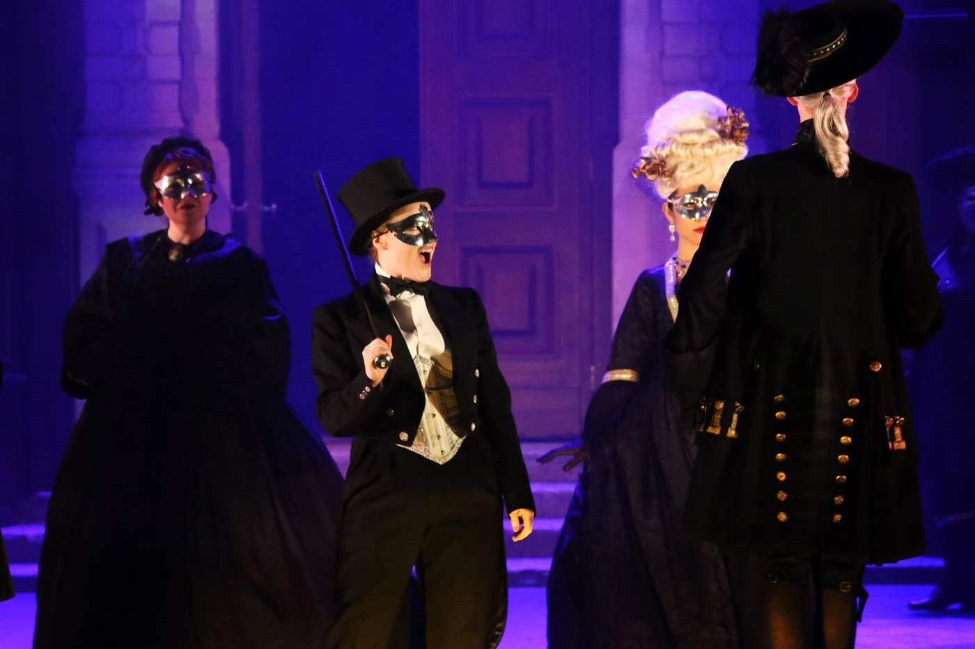 Claire Lees – Oscar, Un ballo in maschera – Opera Holland Park, 2019 – Photo Frances Marshall